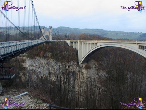 Puente de Charles-Albert (izquierda) y puente Caquot (derecha) entre Cruseilles y Allonzier-La-Caille